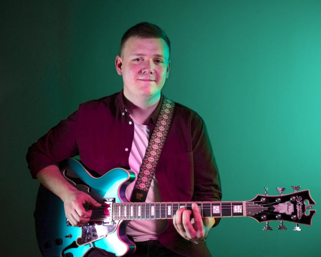 graham bell guitarist